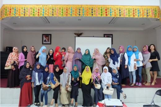 Seminar Akbar TDA Palu Yanikmatilah Saja