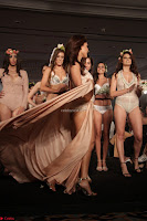 Manjari Phadnis Walks the Ramp At Designer Nidhi Munim Summer Collection Fashion Week (21).JPG