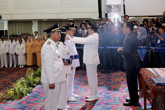 Lantik Dua Kepala Daerah, Gubernur Ridho Himbau Lanjutkan Pembangunan