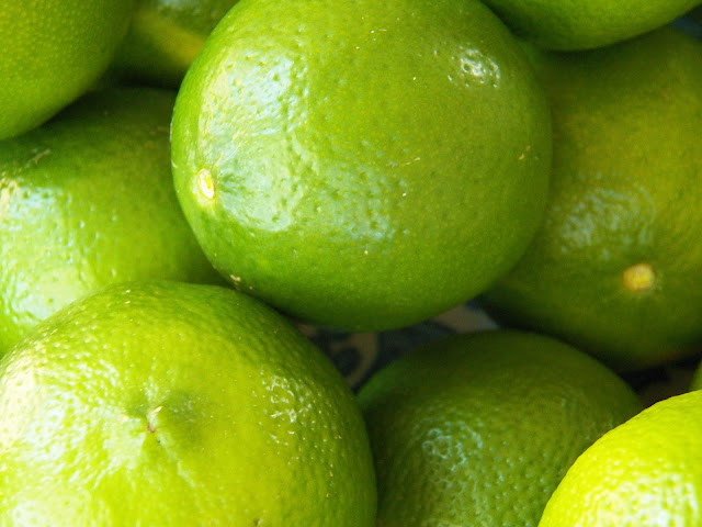 Sid's Sea Palm Cooking: LIMES!!!! Lime Curd