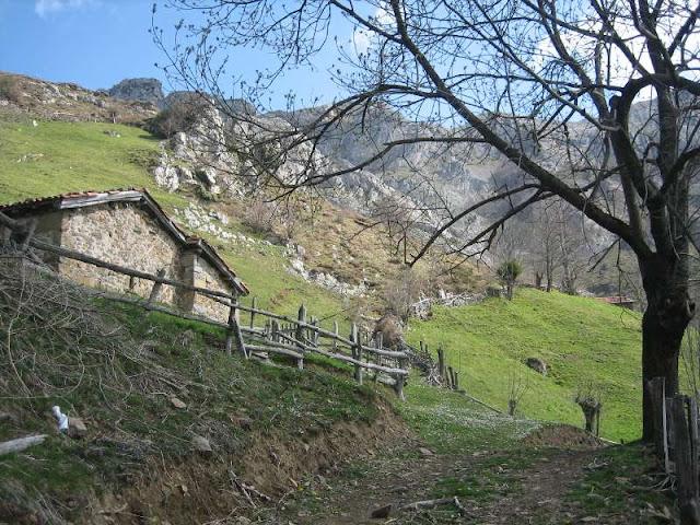 Cabañas previas a la Canal de las Cuevas