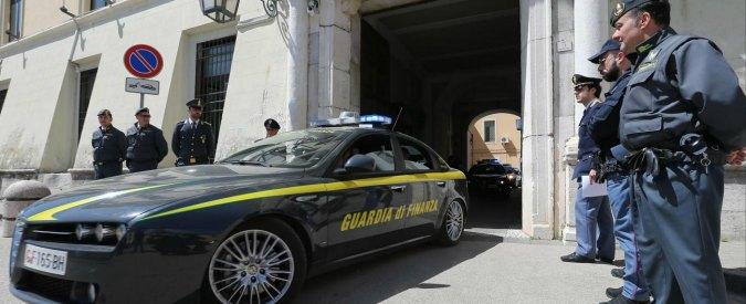Camorra, 69 arresti a Napoli tra cui imprenditori e politici