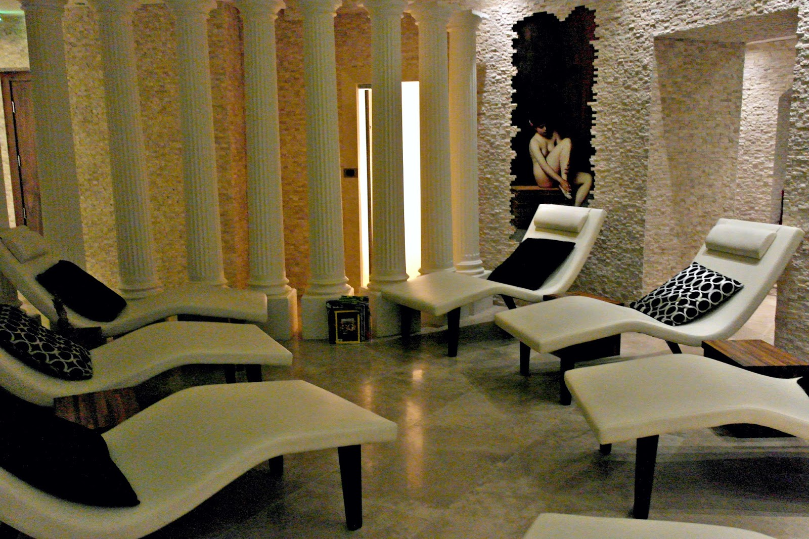 Thai Square Spa, London, review, relaxing area