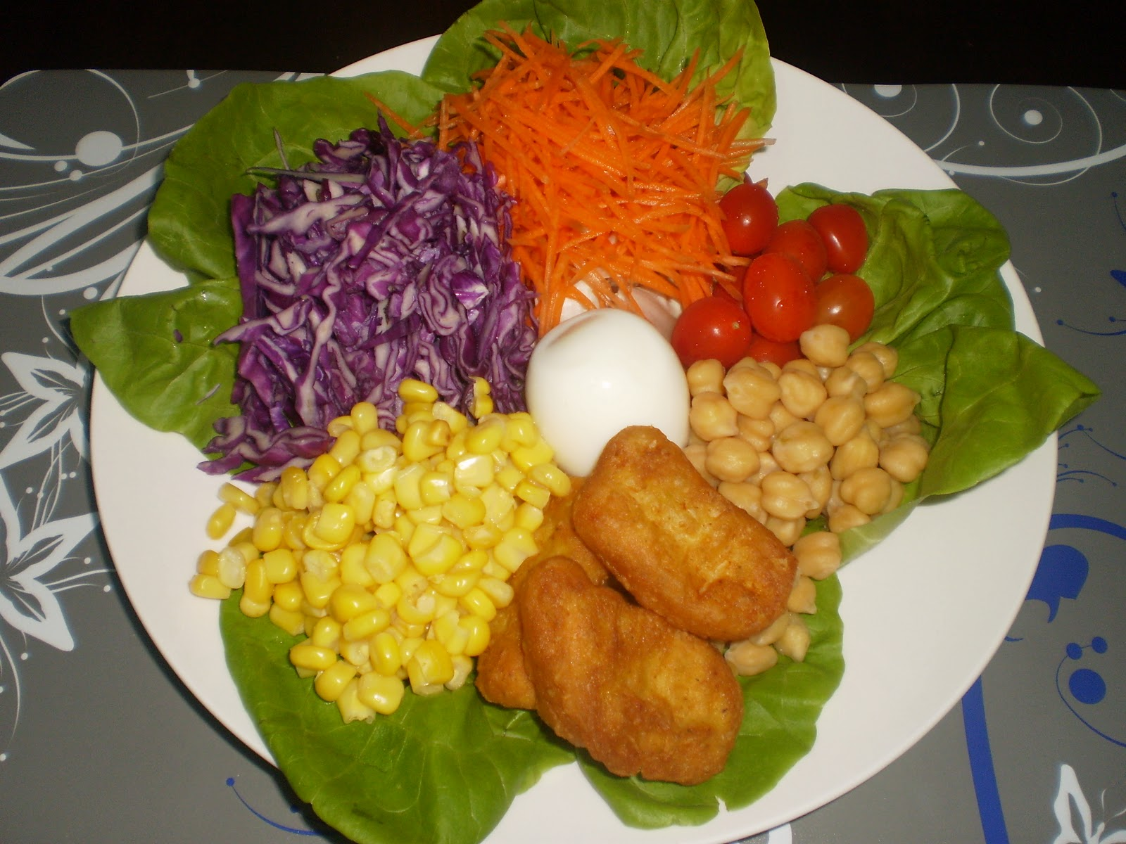 Salad with Diet Thousand Island Dressing (From a Salad Bar)