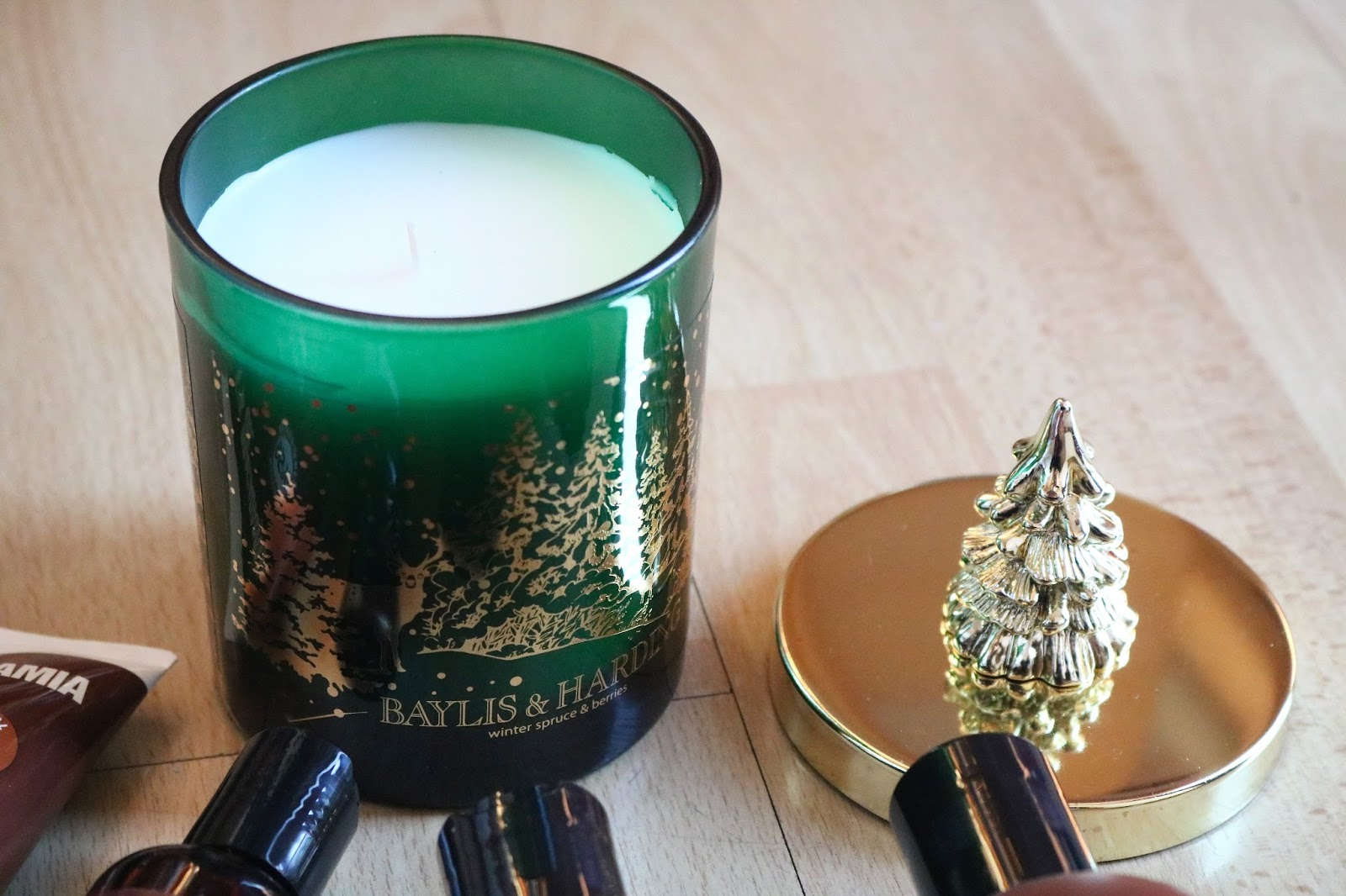 baylis and harding winter spruce and berries candle