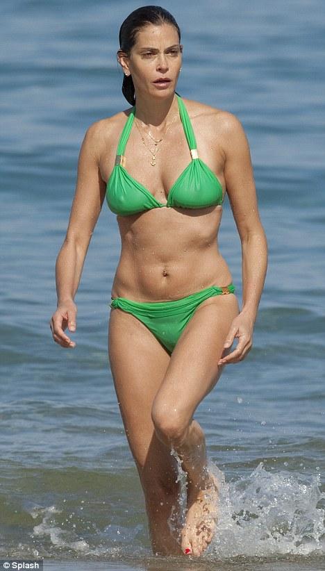Teri Hatcher Hot Pics In Bikini Hot Celebrity Photos Pictures Pics