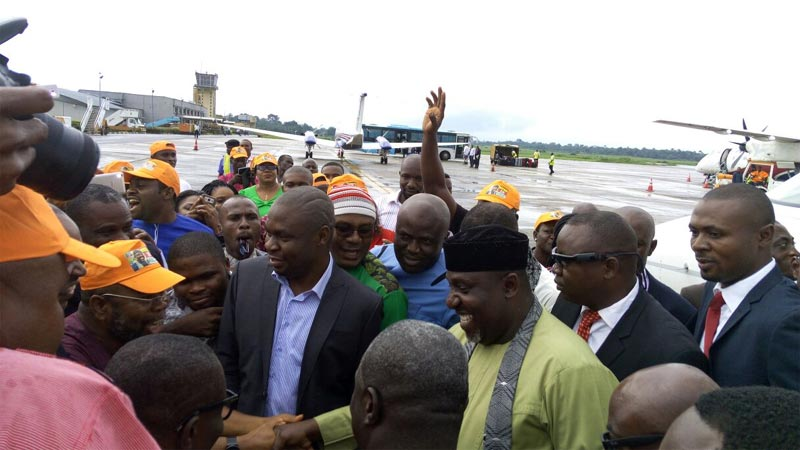 Photos: Joyous crowd receives Okorocha as governor returns to Imo State after 2 weeks absence