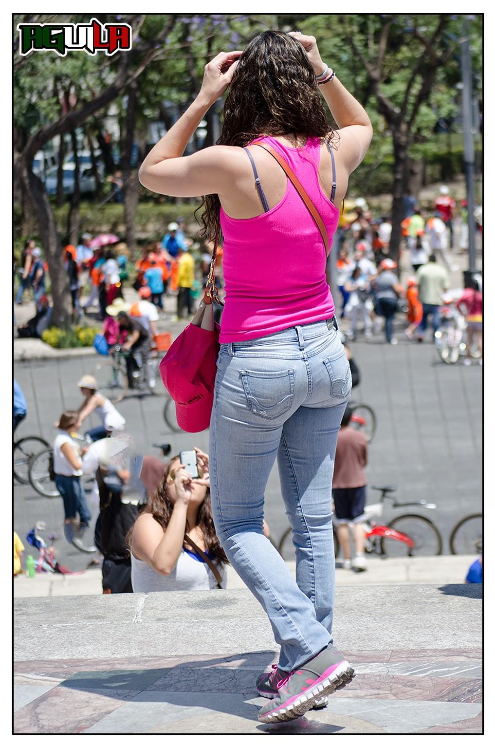 Candid jovensita por la ciudad piernas largas culona - 5 1