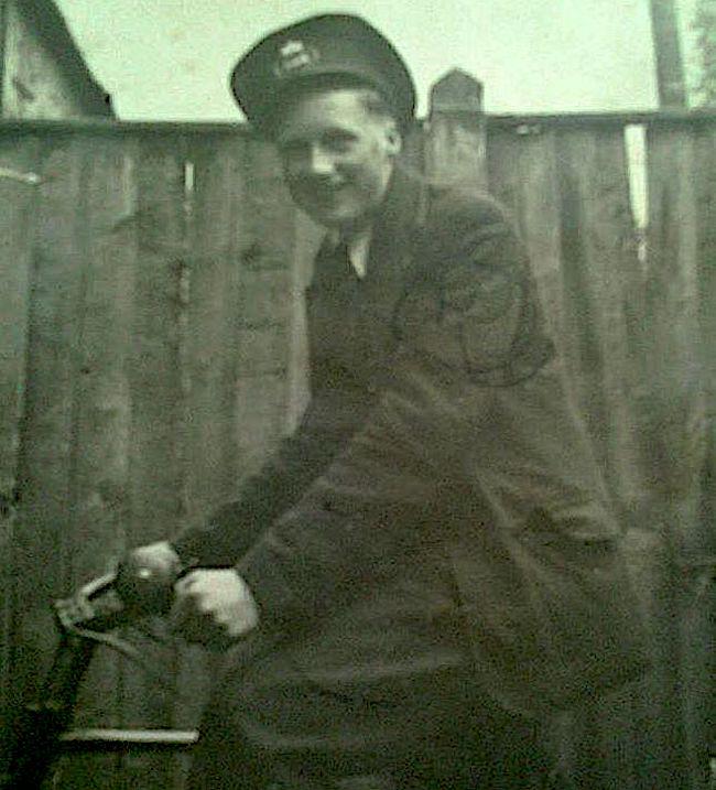 Les, aged 14yrs