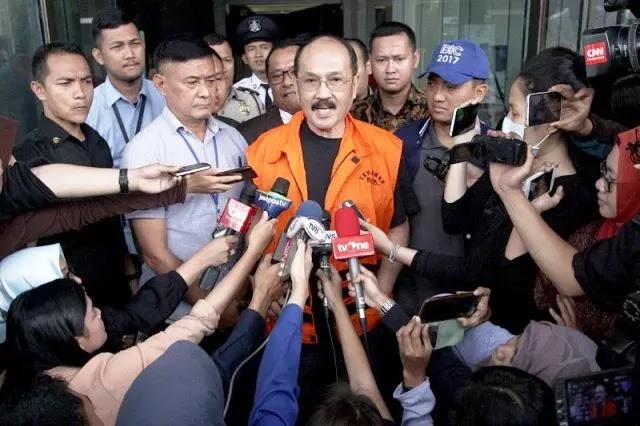 Saat Diperiksa Perdana sebagai Tersangka, Fredrich Yunadi Minta Advokat Boikot KPK