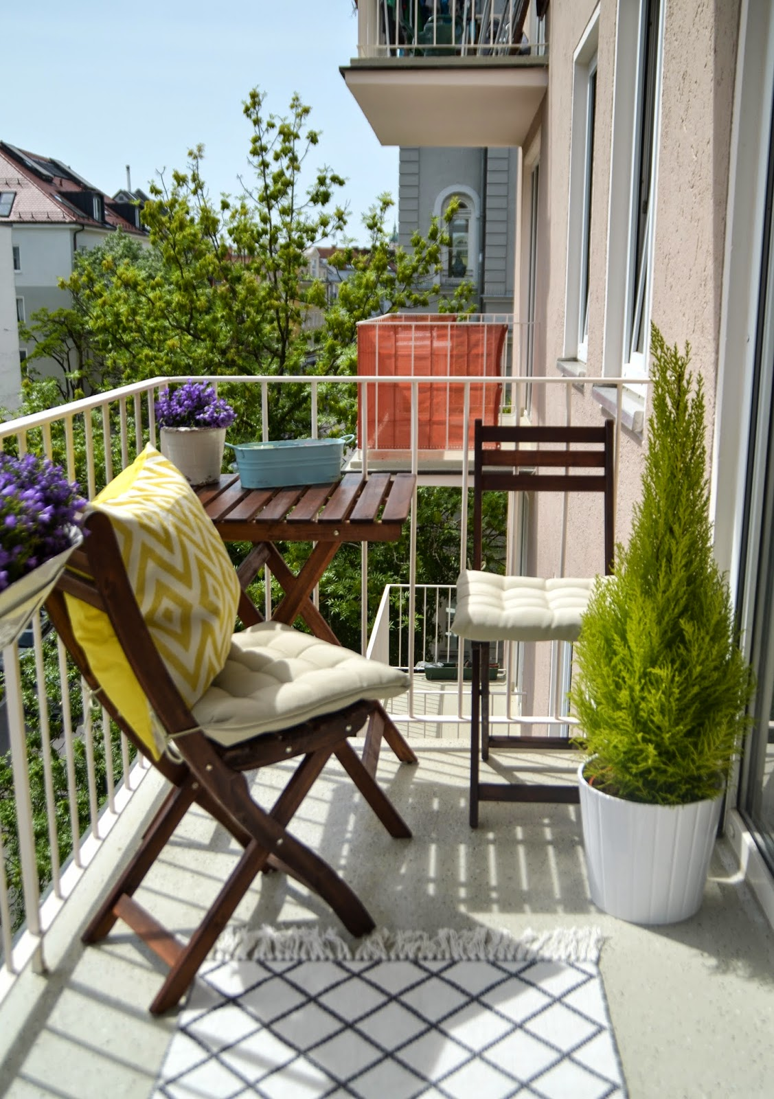 small white apartment balcony decoration
