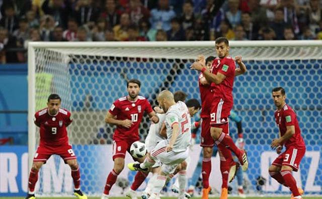 """Video Tây Ban Nha - Iran: Bàn thắng """"số đỏ"""", hú vía hãm thành 1"""