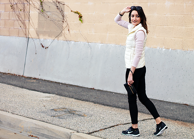 Athleisure with Uniqlo Legging Pants & White Down Vest