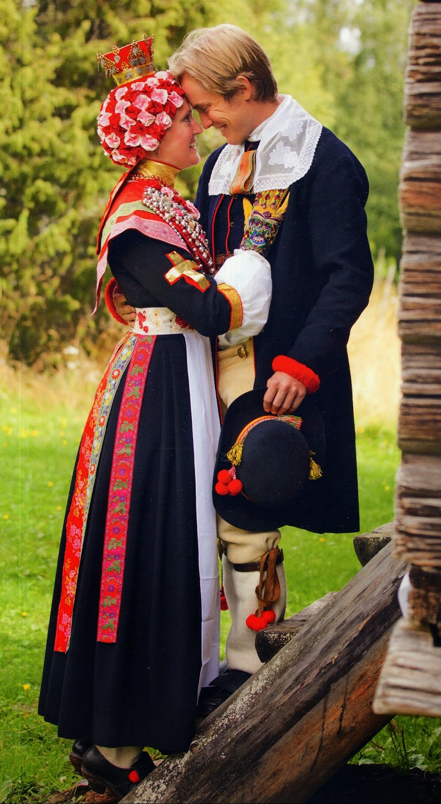 traditional clothing swedish dalarna folkcostume sweden europe bridal outfit western couple embroidery short wearing typical leksand rattvik