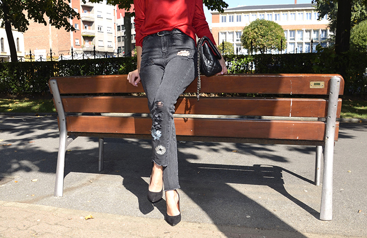 embroidery-black-mum-jeans-red-sweater-outfit-trends-gallery-ootd-style