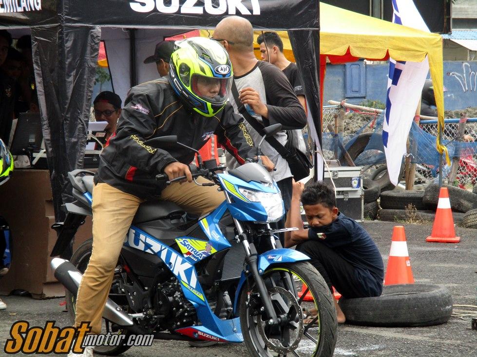 Video Drag Race Suzuki Satria F150 Injeksi dalam acara testridenya di kota Medan . .