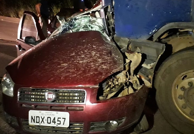 Casal e filha morrem em colisão entre Siena e carreta na BR 364