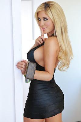 Tasha Reign - Tasha Reign merupakan wanita cantik sexy dress