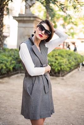 smart casual, porady stylistki, stylizacja, stylizacja do pracy, stylistka po 30 - tce, casual, kobieta, red lips, kratka, blogerka, klasyka,