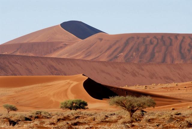 UNDER AFRICAN SKIES: MET DE 4X4 DOOR NAMIBIË (1) WINDHOEK - SWAKOPMUND