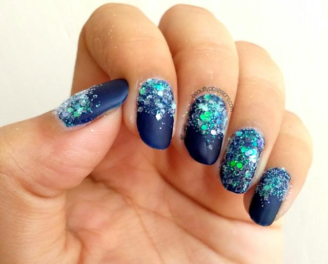 Sparkling Festive NailArt..