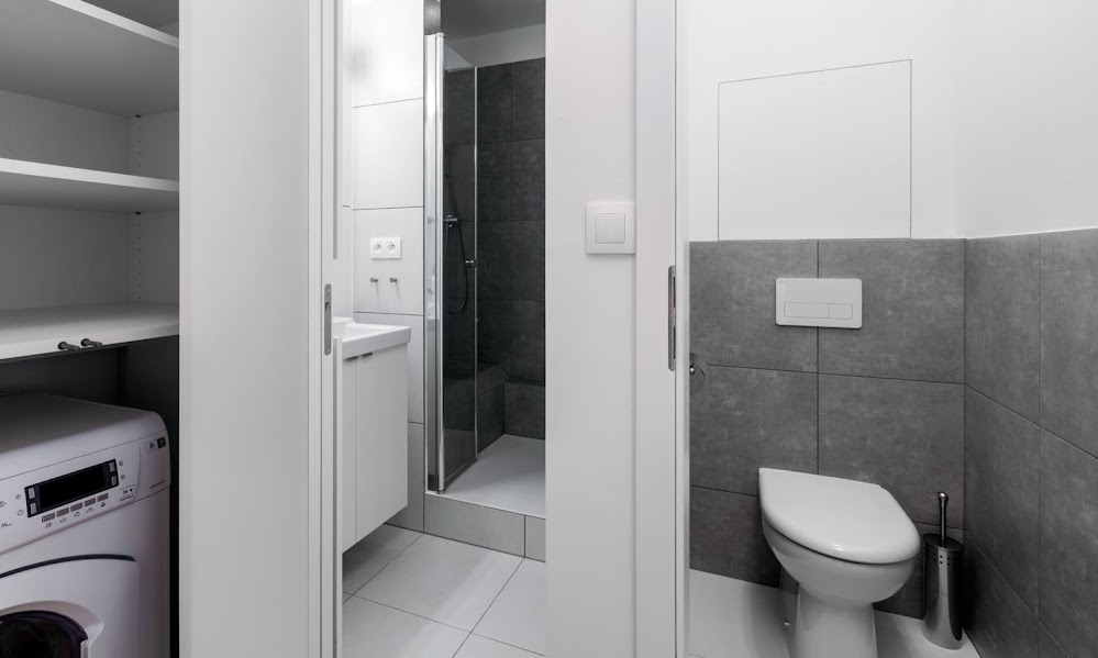 Compact-Bathroom-Deisng