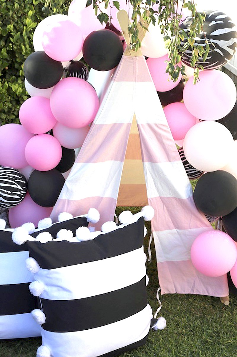 Pink & Black Birthday party ideas via BirdsParty.com