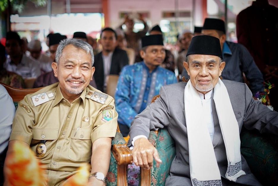 Ahmad Syaikhu bersama KH Hasan Abdullah Sahal