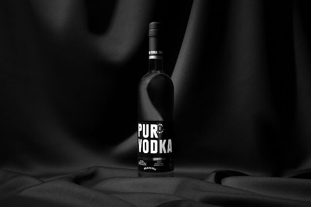 Binh-dung-ruou-Pur-Vodka-duoc-thiet-ke-boi-lg2