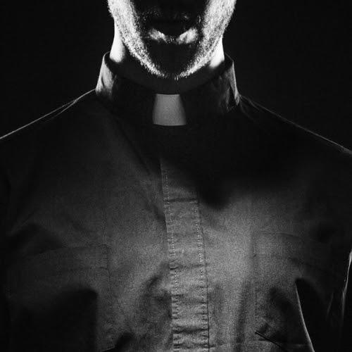 Priest, tome 1 : Passion de Sierra Simone