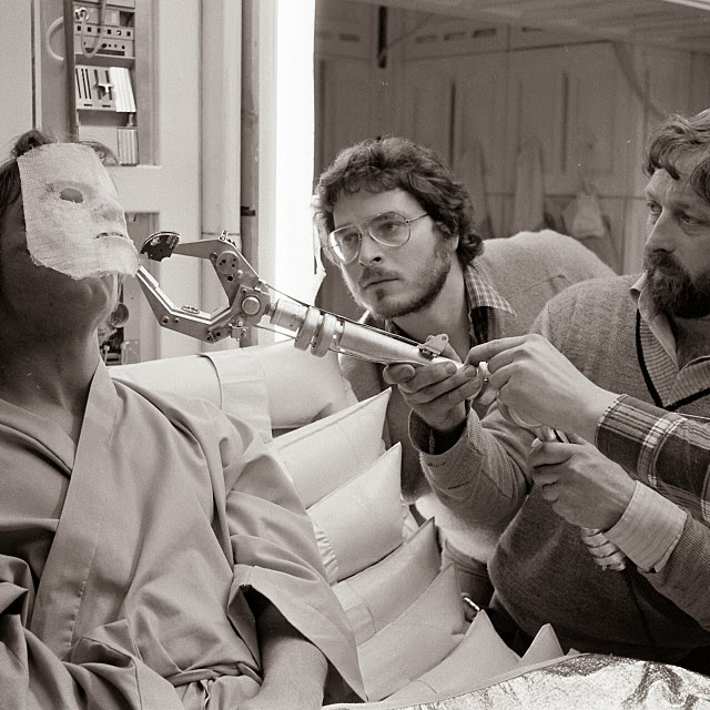 Lawrence Kasdan on the set of Empire with Hamill