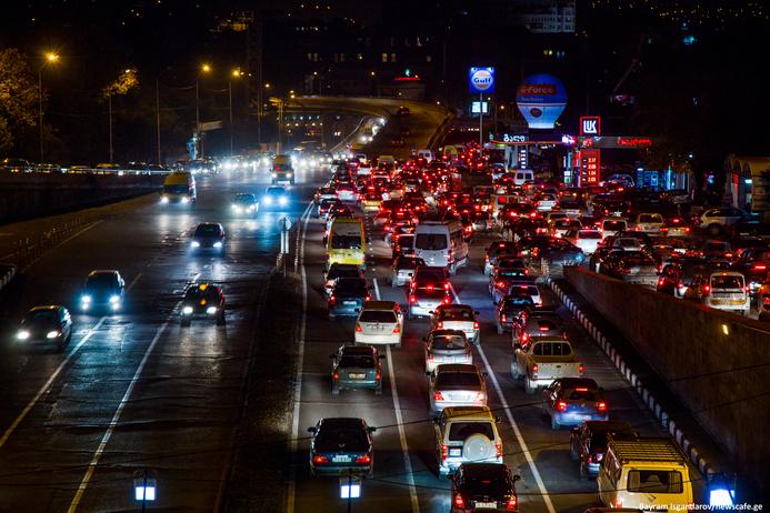 Image result for автомобильные пробки в центре Тбилиси фото