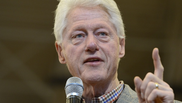 Bill Clinton afirma que su esposa tiene mejor salud que Trump