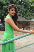 Poonam Kaur latest sizzling photos-thumbnail-5