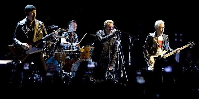 U2, U2 Bercy, sunday bloody sunday bercy, tournée U2, U2 Berlin, francis Zégut, RTL2 Zégut, by Zégut, Bono voix, Bono U2, rock'n'roll circus, show must go on