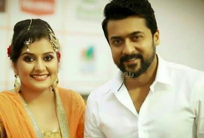 Surya-At-Amma-Mazhavillu-Film-Awards-with-Sarayu-Actress-Pics