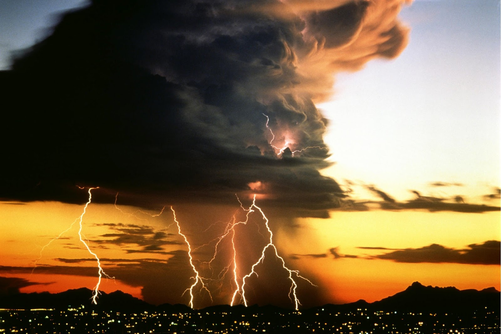 Nature Storm Wallpapers Siam
