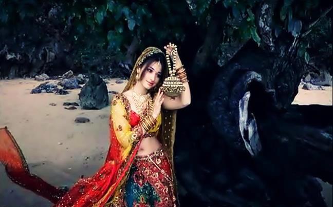 Tamanna Bhatia looking spicy in ad shooting ~ Beautiful ...