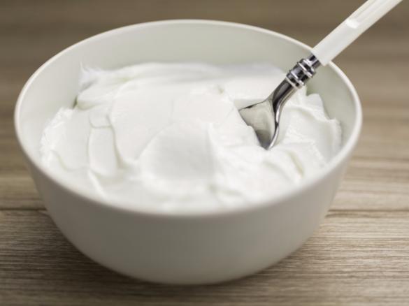 thick-creamy-vanilla-greek-yoghurt
