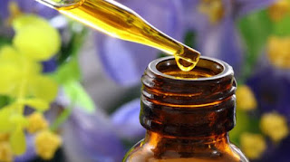 Les huiles essentielles (propriétés, mode d'emploi, types)