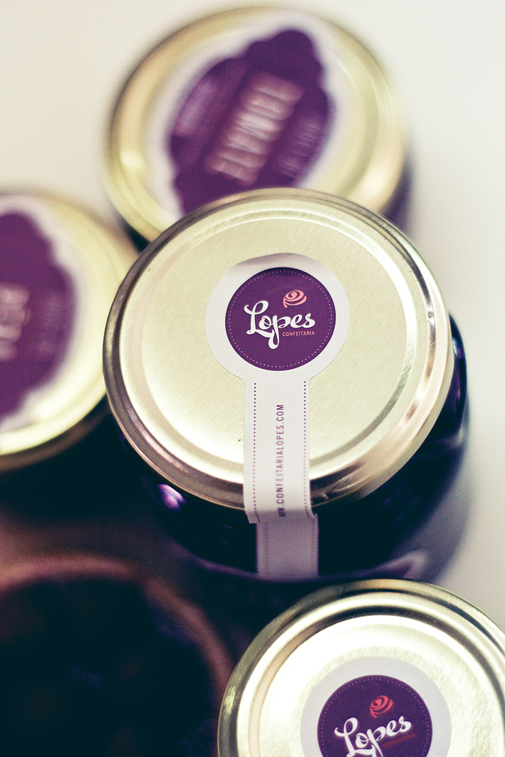 Confeitaria Lopes packaging by Gen Design Studio jar of jam label