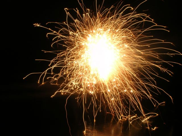 Nowy Rok, powitanie, petardy, święto