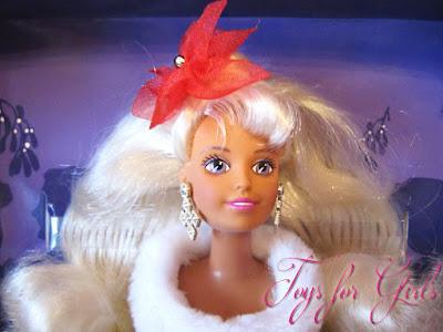 Вблизи кукла Sindy Noel Hasbro 1996. Обзор игрушек для девочек