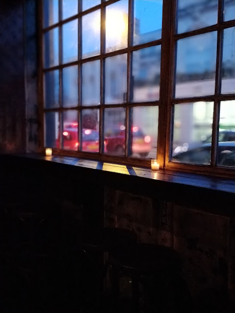 window seats at The Elephant's Head, Hackney, review