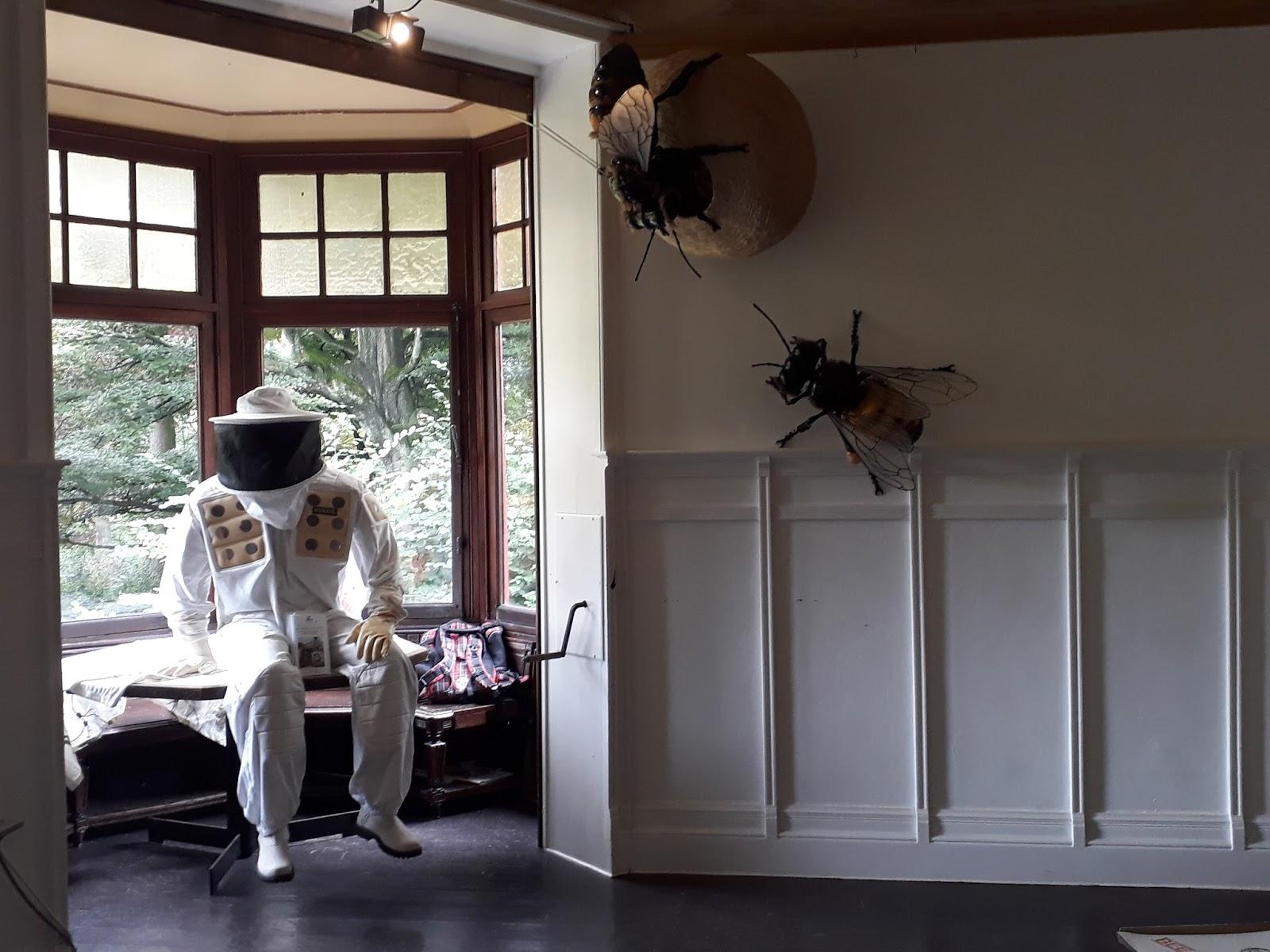 Les abeilles de bruxelles l 39 expo immanquable du moment for Salon de l emploi bruxelles