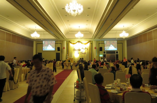 hall 1 wedding setting, stage decor table chair