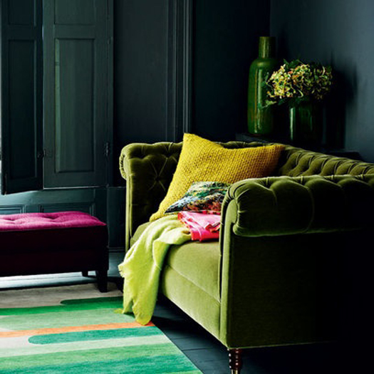 Dark Green Sofa: The Pink Chalkboard: Colorful Chesterfields