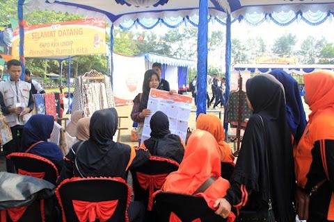 Relawan Sosialisasikan Pemilu 2019 di Seputar Pantai Joko Tingkir