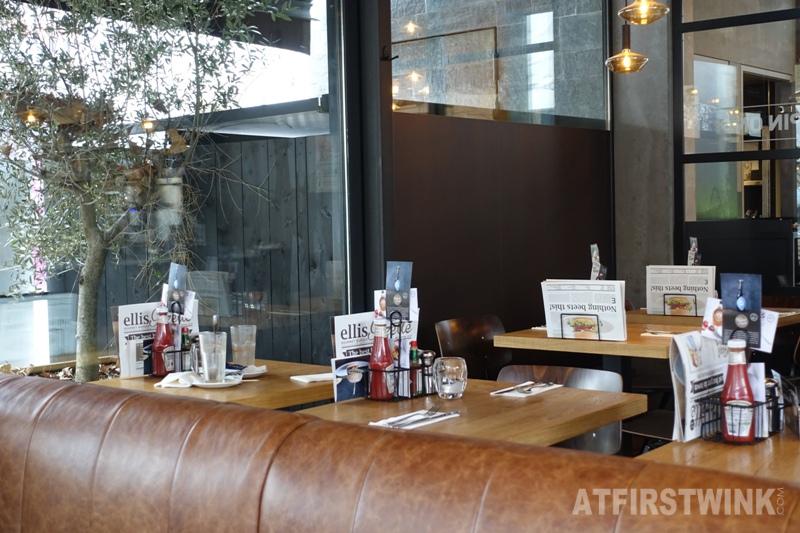 ellis gourmet burger coolsingel rotterdam interior