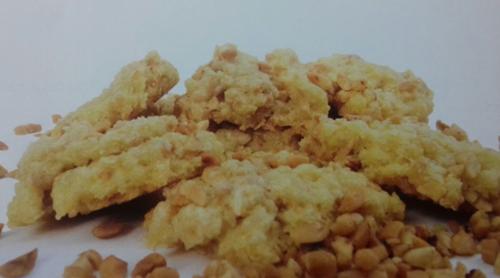 Cara membuat Kue Kelapa Tabur Kacang Tanah